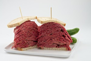 corned beef,sandwich,Carnegie,New York,pastrami,pickle